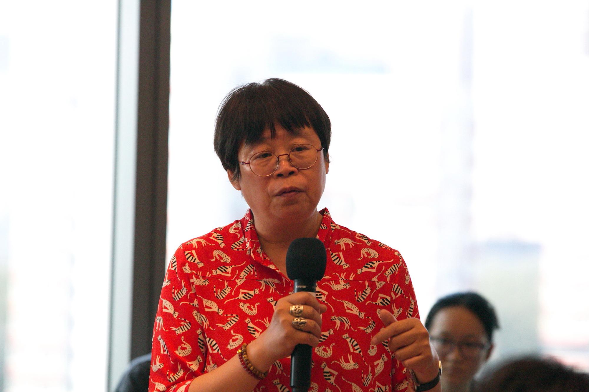 中国工艺美术学会民间工艺美术委员会副会长李友友.jpg